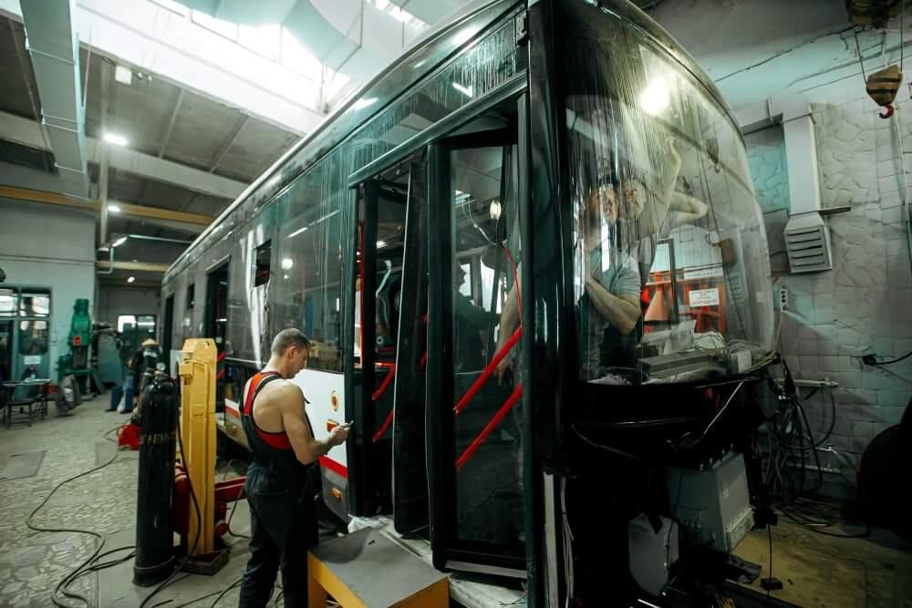 В Краснодаре практически завершили сборку первого троллейбуса