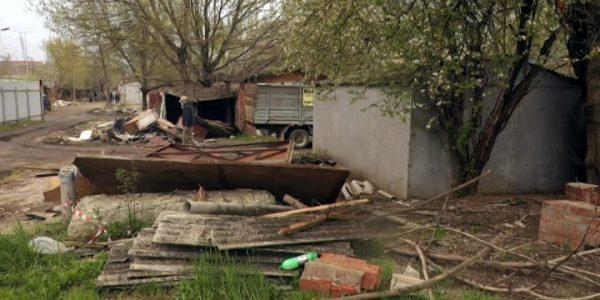 В Карасунском округе Краснодара сносят гаражный кооператив, собственники против