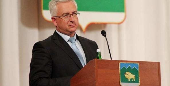 Глава Мостовского поселения досрочно покинул свой пост после 16 лет работы