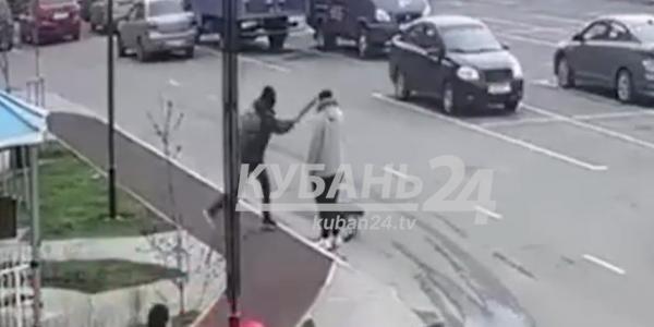 В Краснодаре ударившего женщину битой подростка оштрафуют за распитие алкоголя