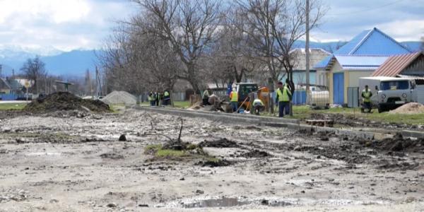 В селе Мостовского района в рамках федерального проекта благоустраивают сквер