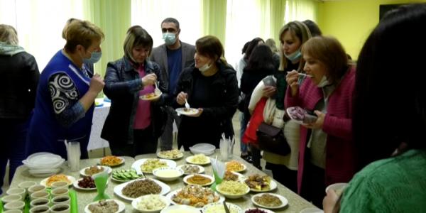 В Крымском районе родителям учеников презентовали обновленное школьное меню