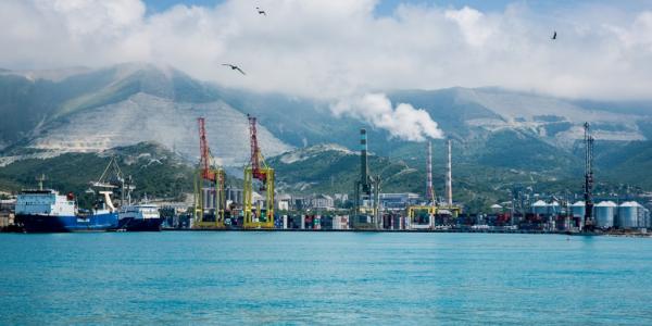 В порту Новороссийска реконструируют внутреннюю акваторию