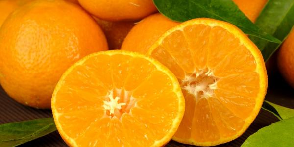 Диетолог посоветовала есть апельсины для улучшения зрения и работы сосудов