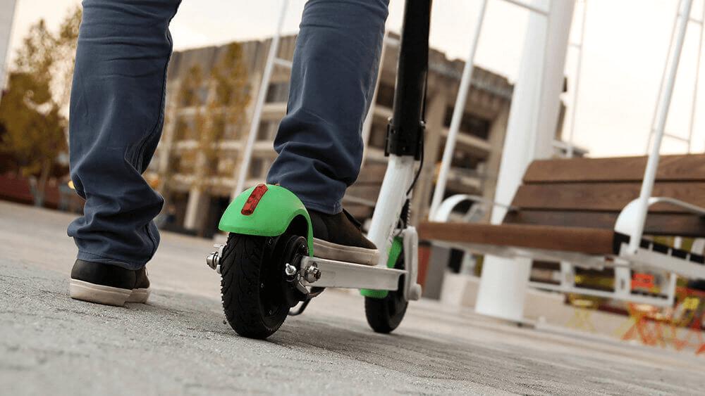 В Краснодаре запретят парковать электросамокаты вне специальных парковок