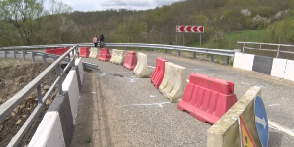 В Туапсинском районе приступили к восстановлению моста через реку Пшенахо