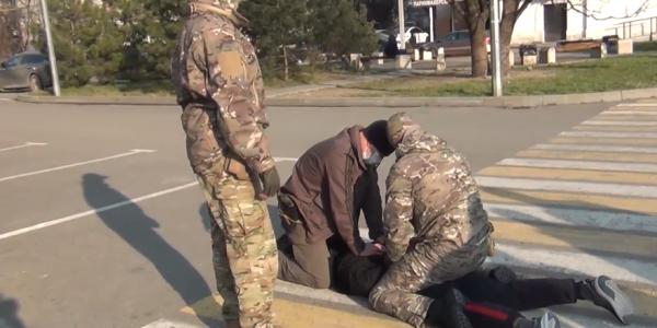 На Кубани вымогатель требовал от мужчины деньги за якобы поврежденную машину