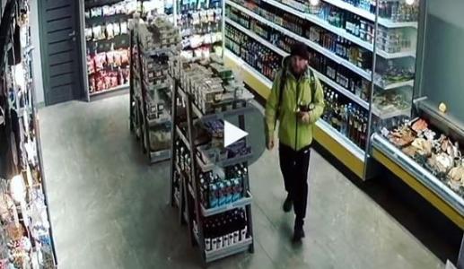 В Краснодаре живодер ночью сильно избил бездомную собаку