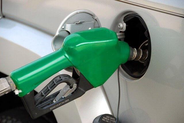 Россия стала второй в рейтинге стран Европы по дешевизне бензина АИ-95