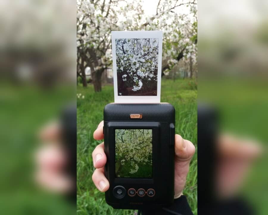 Fujifilm выпустила гаджет для говорящих фотографий