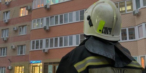 В Краснодаре из-за вспышки масла на плите выбило стекла в квартире
