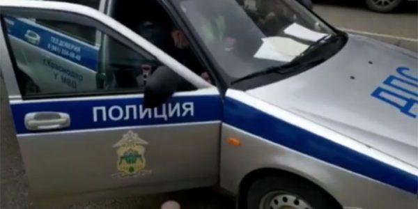 В Краснодаре задержали владельца иномарки, промчавшейся задним ходом по Красной