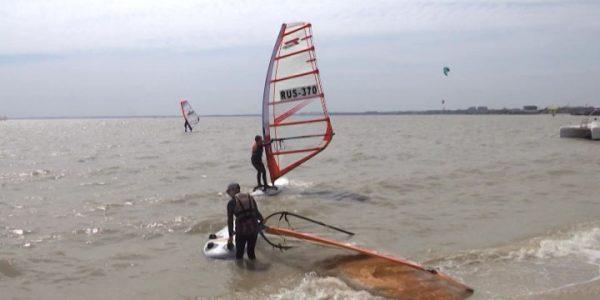 На Кубани 1 мая стартуют соревнования серферов «Ейский кубок»