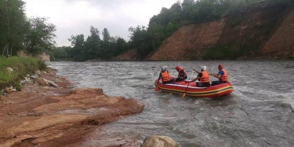 В Адыгее две недели продолжаются поиски туриста, унесенного рекой Белой