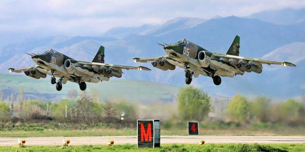 Под Краснодаром летчики во время учений ракетами уничтожили цели «противника»