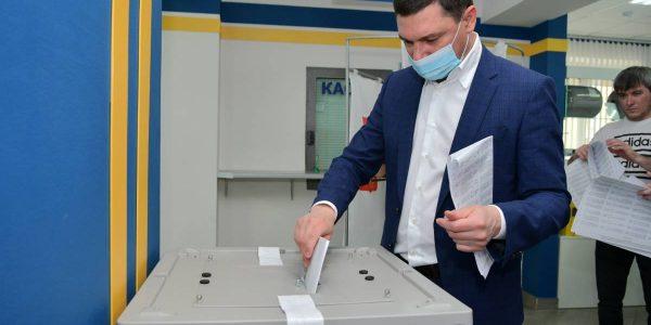 Мэр Краснодара принял участие в предварительном голосовании «Единой России»