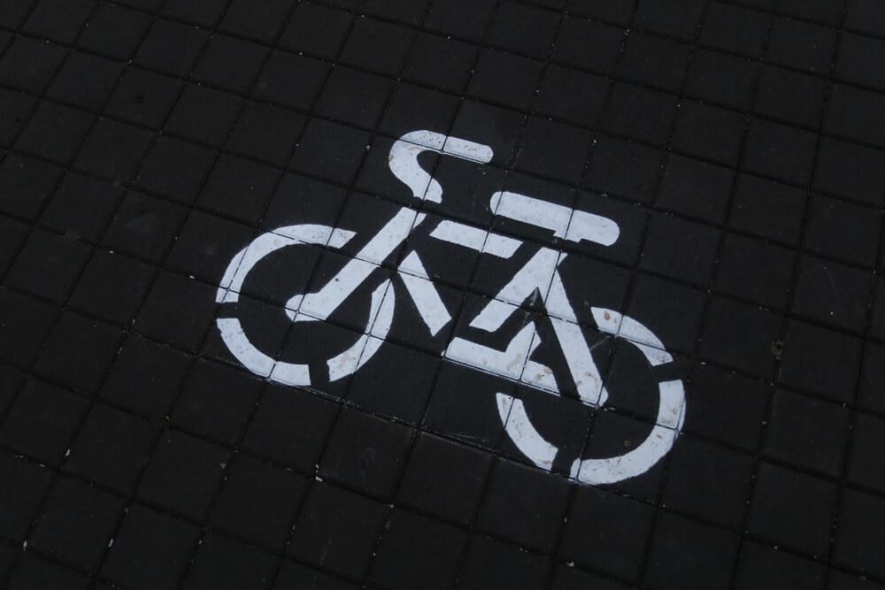 В Геленджике демонтируют велодорожки на набережной по решению прокуратуры