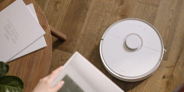 Новая метла: стоит ли покупать робот-пылесос