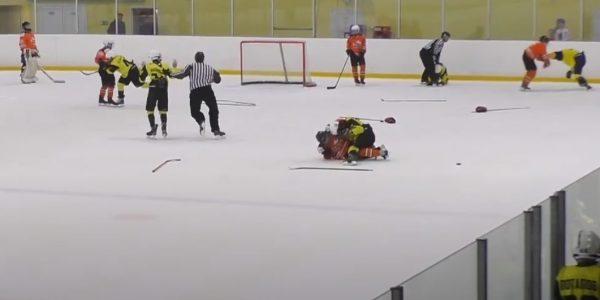 На подростковом турнире произошла массовая драка с участием кубанских хоккеистов
