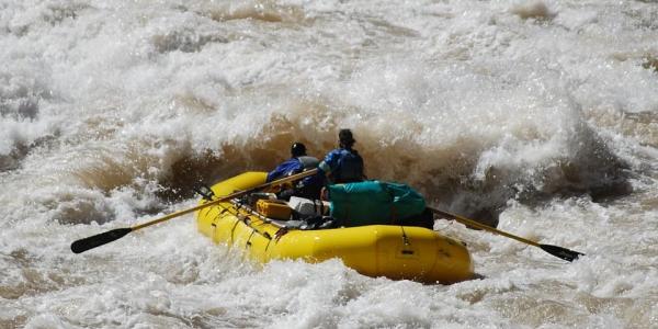 В Сочи во время рафтинга по горной реке погибла 24-летняя туристка