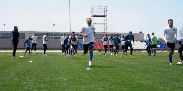 Футбольный клуб «Сочи» готовится  к последнему матчу сезона