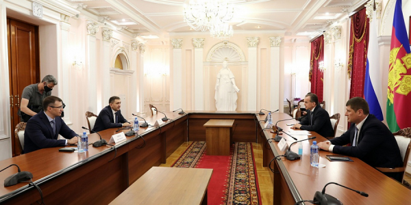 Кондратьев встретился с новым главой компании «Россети Кубань» Борисом Эбзеевым