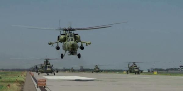 На Кубани боевые самолеты и вертолеты перебазировались в рамках учений ЮВО