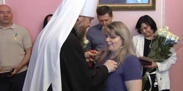 На Кубани митрополит Григорий наградил медиков за борьбу с пандемией COVID-19