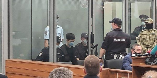 В Казани суд арестовал обвиняемого в вооруженном нападении на школу