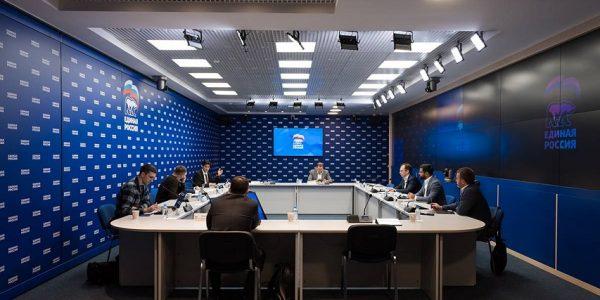 Эксперты: система предварительного голосования «Единой России» надежно защищена