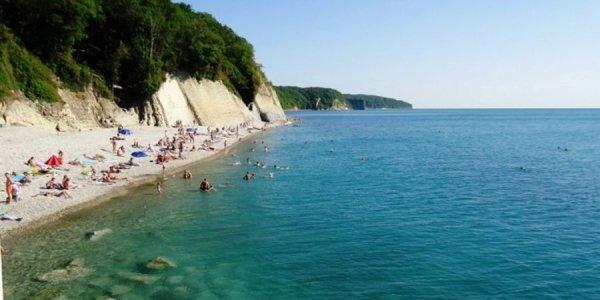 Вода в Черном море на курортах Краснодарского края прогрелась до 22-24 градусов