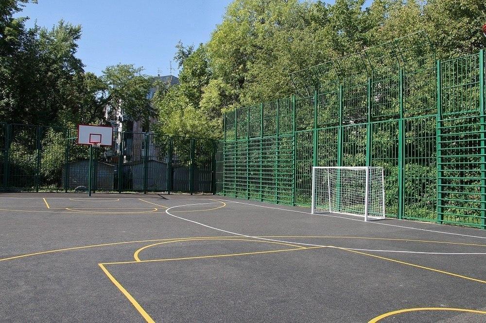 В Краснодаре модернизируют 12 спортивных площадок