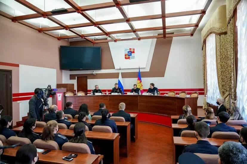 Кондратьев: на Кубани важно продолжить работу по борьбе с самостроем