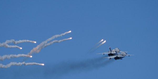 Экипажи истребителей отбились от «Стрижей» и сели на аэродроме на Кубани
