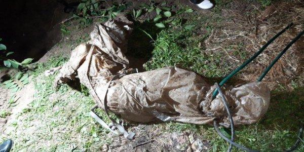 В Новороссийске мужчина забил обухом топора приятеля и закопал тело в огороде
