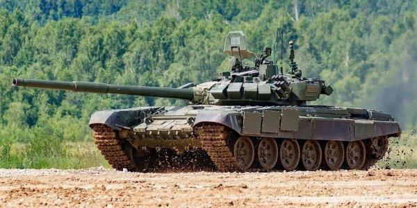 На Кубани танкисты из Абхазии провели стрельбы по мишеням в одном заезде