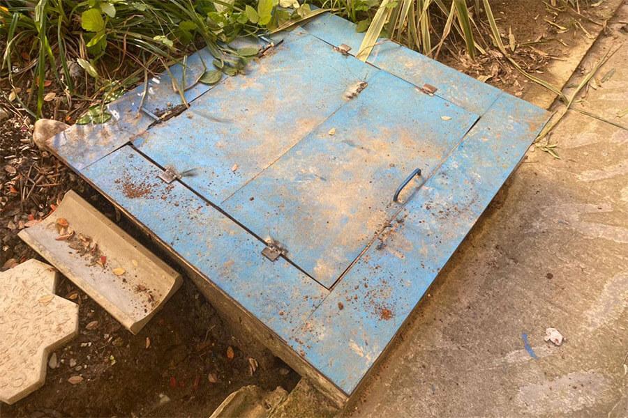 СК РФ начал проверку после падения мальчика в канализационный люк в Сочи