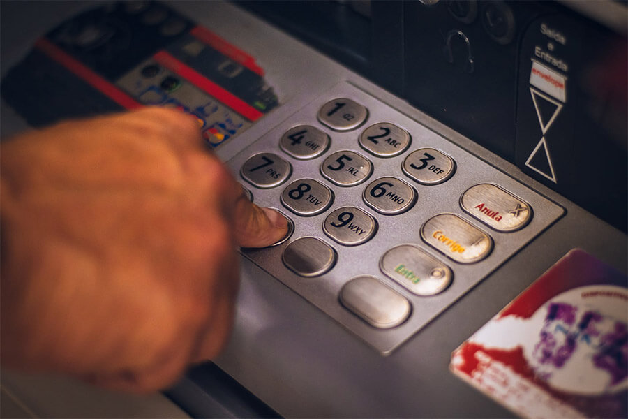 На Кубани в магазине взорвали банкомат и украли из него деньги