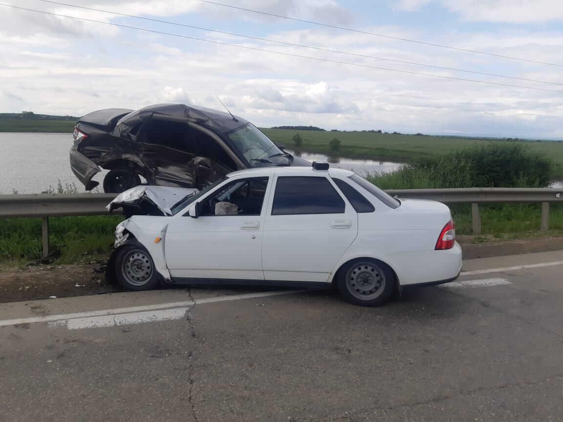 Кубанский полицейский попал в аварию с машиной сотрудника полиции из Адыгеи