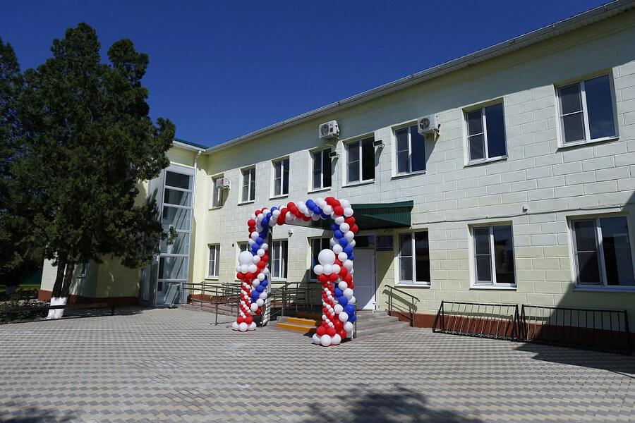 В селе Белая Глина после ремонта открыли корпус центральной районной больницы