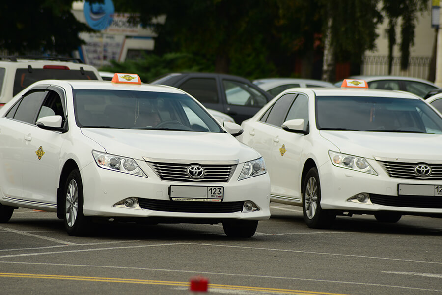 В Сочи у 33 таксистов изъяли машины за перевозку пассажиров без лицензии