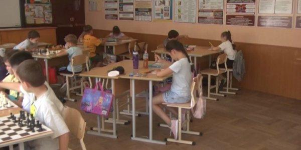 В Кавказском районе на территории школ организовали лагеря дневного пребывания