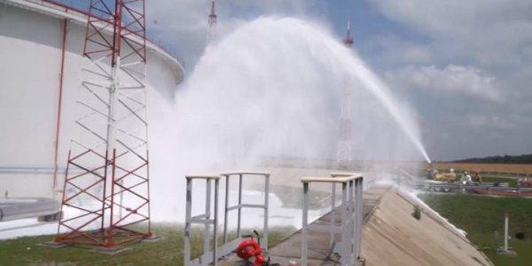 В Кавказском районе спасатели потушили условный пожар на нефтебазе