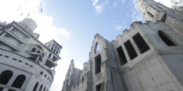 В Краснодаре недостроенный «замок» на Затоне стал принадлежать городу