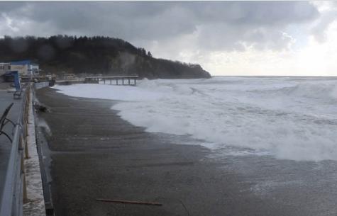 В Туапсинском районе во время купания в море пропал мужчина
