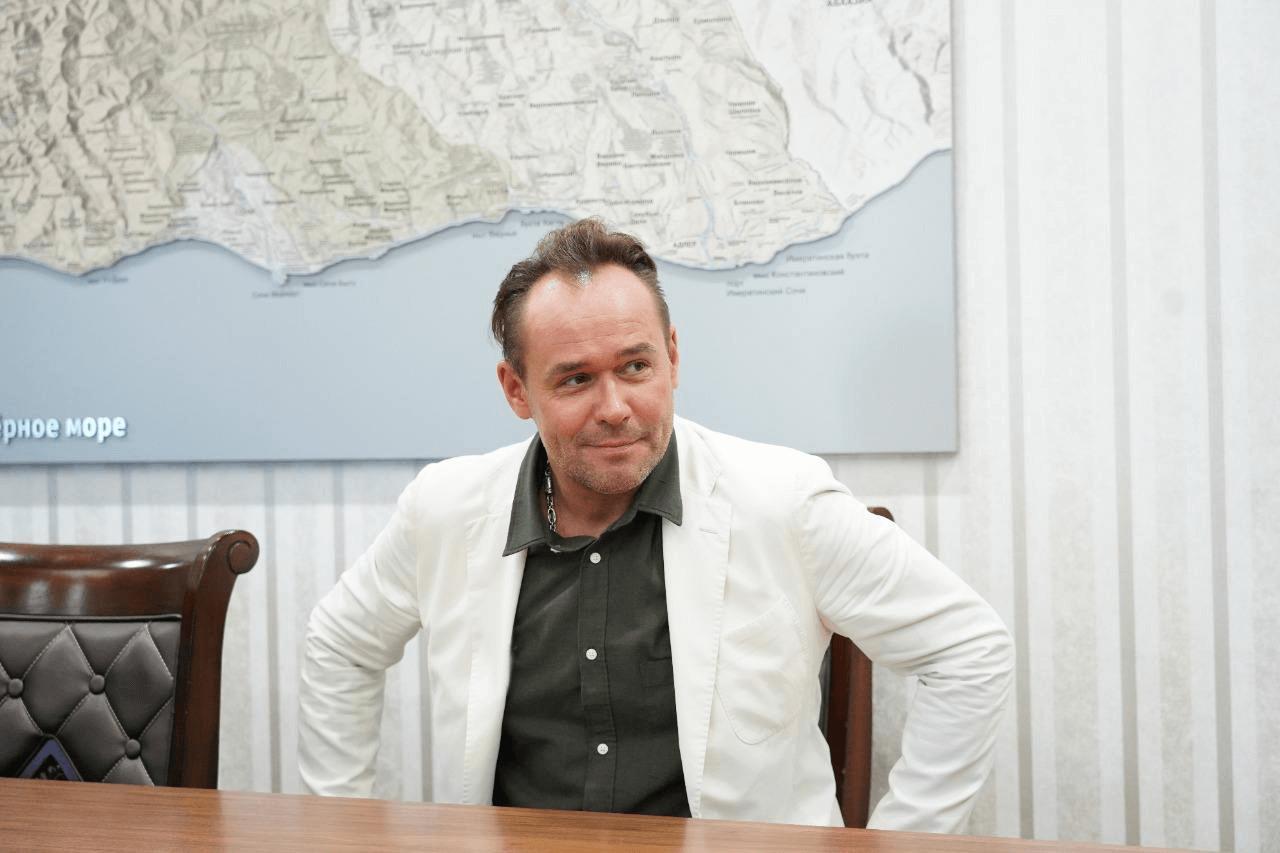 Актер Максим Аверин возглавил Сочинское концертно-филармоническое объединение