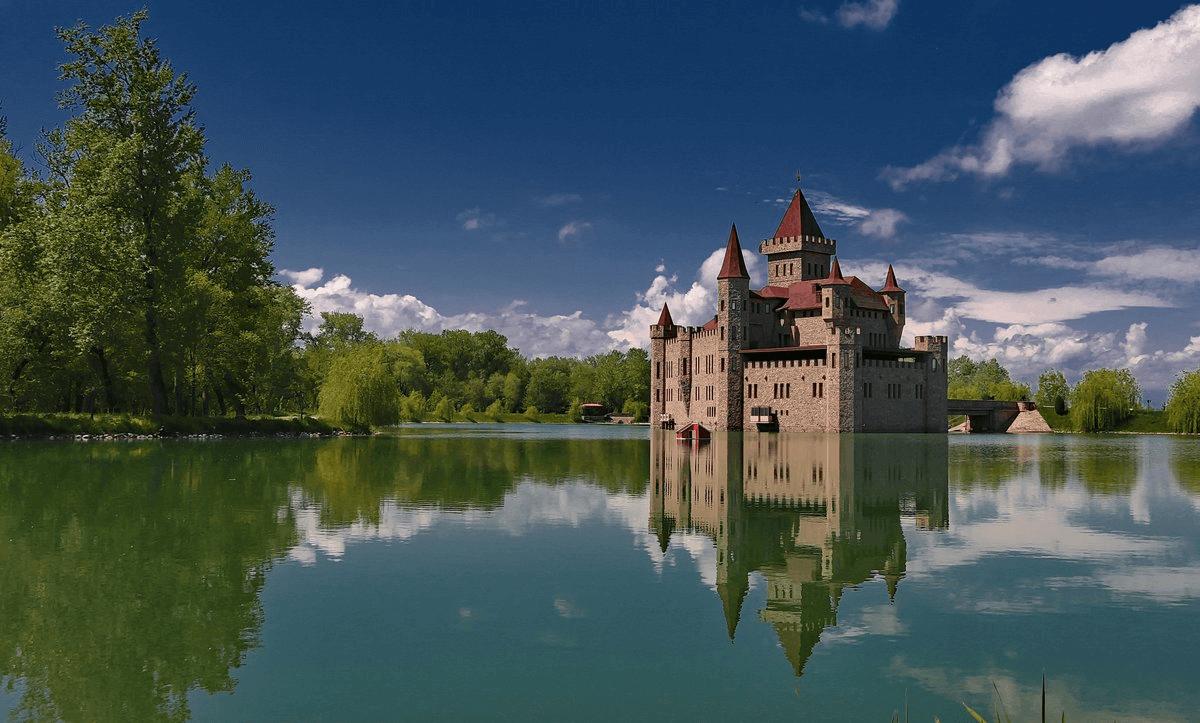 Россияне назвали 15 самых интересных достопримечательностей страны