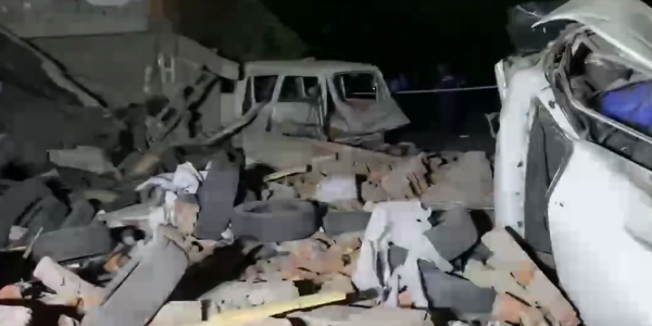 В Краснодаре из-за взрыва газа обрушился гараж, погиб мужчина