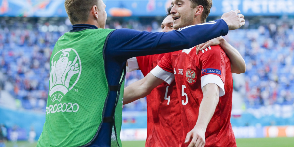Сборная России обыграла Финляндию на Евро, краснодарец Сафонов отстоял на ноль