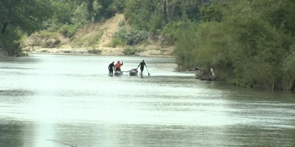 В Успенском районе продолжают поиски девочки, унесенной течением реки